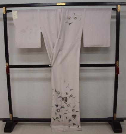 新品 1481 夏着物 大幅値下げ お仕立て上がり正絹絽訪問着 桜鼠色 花唐草_画像4