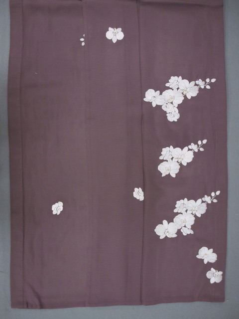 新品 1568 夏着物 大幅値下げ 正絹手縫いお仕立て上がり絽訪問着 葡萄鼠系 胡蝶蘭刺繍_画像6