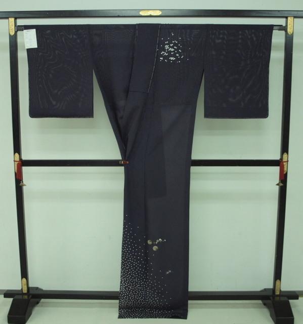 新品 1644 夏着物 大幅値下げ 正絹お仕立て上がり絽付け下げ 藍鉄系 水玉/小花 _画像4