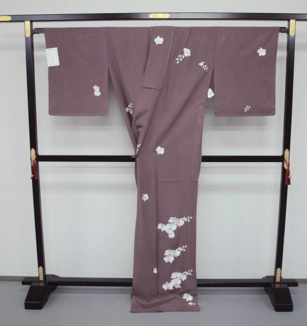 新品 1568 夏着物 大幅値下げ 正絹手縫いお仕立て上がり絽訪問着 葡萄鼠系 胡蝶蘭刺繍_画像4