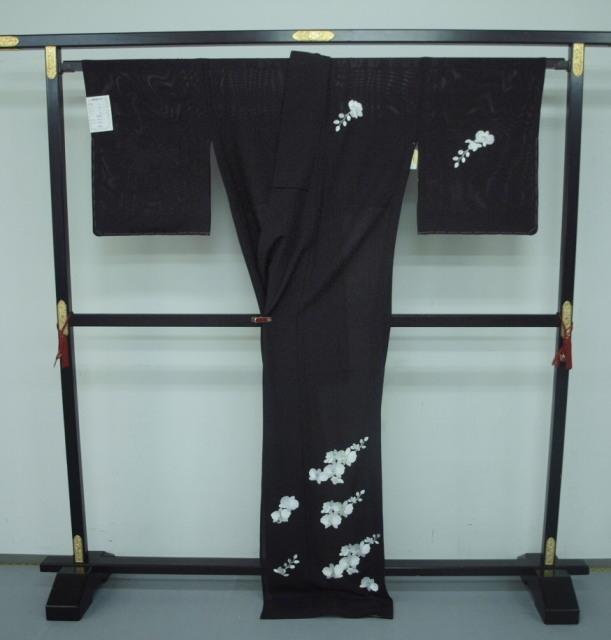 新品 1577 夏着物 大幅値下げ 正絹手縫いお仕立て上がり絽訪問着 黒 胡蝶蘭刺繍_画像4