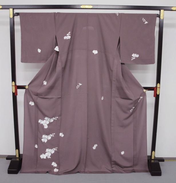 新品 1568 夏着物 大幅値下げ 正絹手縫いお仕立て上がり絽訪問着 葡萄鼠系 胡蝶蘭刺繍_画像1