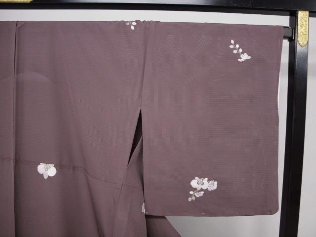 新品 1568 夏着物 大幅値下げ 正絹手縫いお仕立て上がり絽訪問着 葡萄鼠系 胡蝶蘭刺繍_画像3