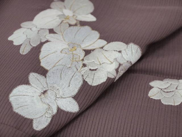 新品 1568 夏着物 大幅値下げ 正絹手縫いお仕立て上がり絽訪問着 葡萄鼠系 胡蝶蘭刺繍_画像8