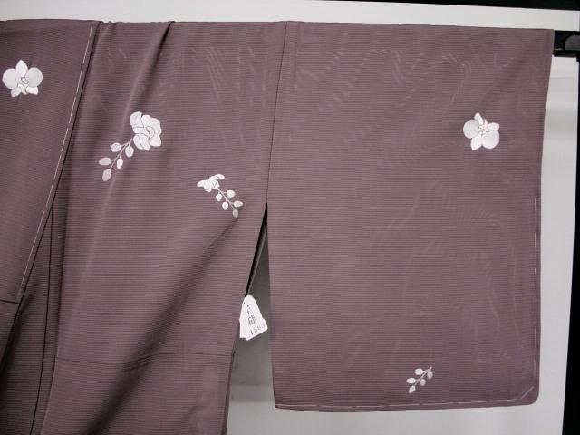 新品 1568 夏着物 大幅値下げ 正絹手縫いお仕立て上がり絽訪問着 葡萄鼠系 胡蝶蘭刺繍_画像5