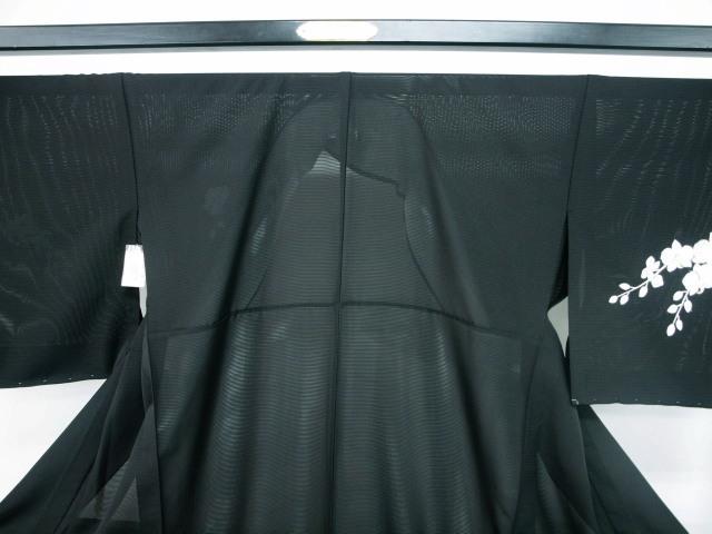 新品 1577 夏着物 大幅値下げ 正絹手縫いお仕立て上がり絽訪問着 黒 胡蝶蘭刺繍_画像2