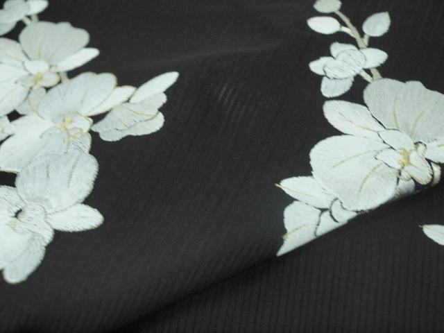 新品 1577 夏着物 大幅値下げ 正絹手縫いお仕立て上がり絽訪問着 黒 胡蝶蘭刺繍_画像8