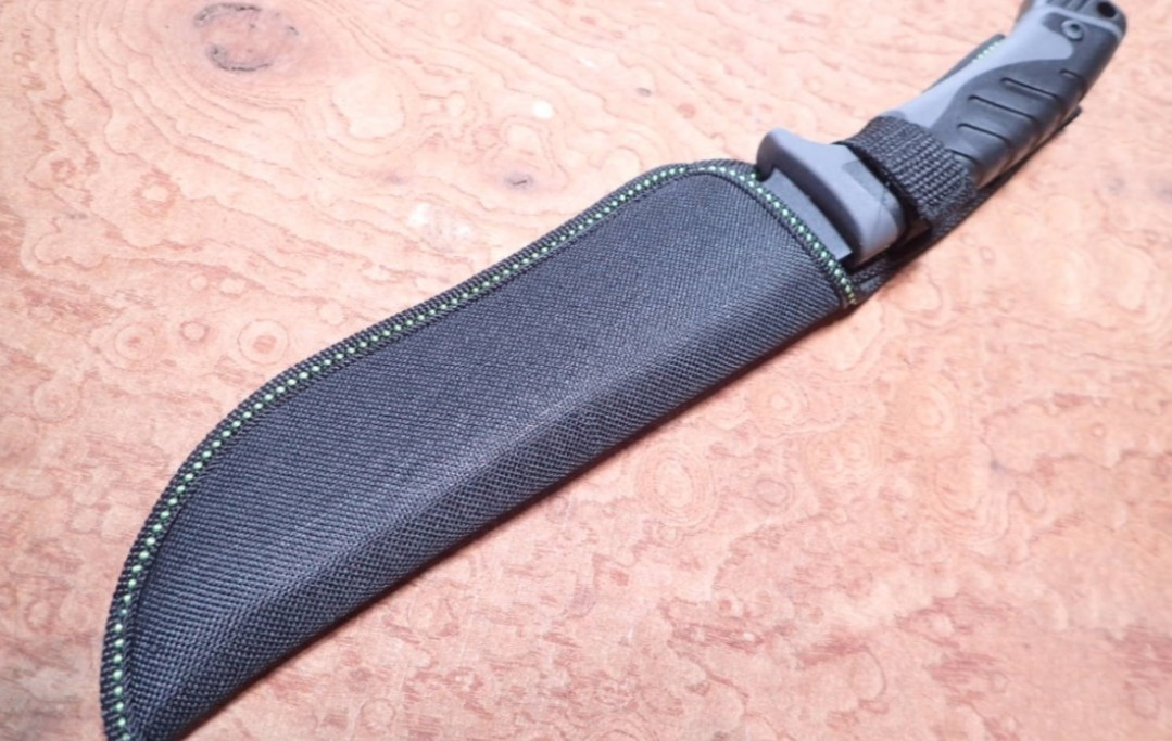 コロンビアナイフ 高品質ハンティングナイフ ブラックラバーハンドル  シースナイフ サバイバルナイフ