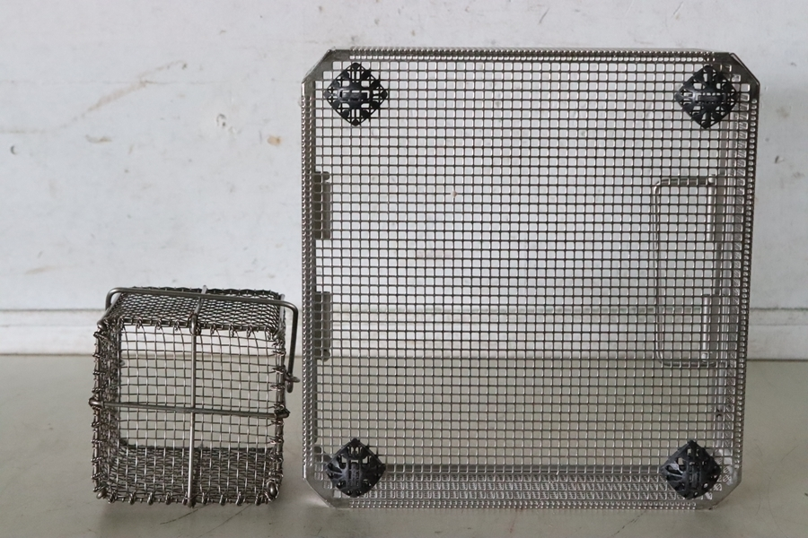TB526ステンレス製 メッシュカゴ ザル 2点セット◇水切り/収納/ガーデニング/トレイ/容器/籠/篭/ケース/古道具タグボート_画像7