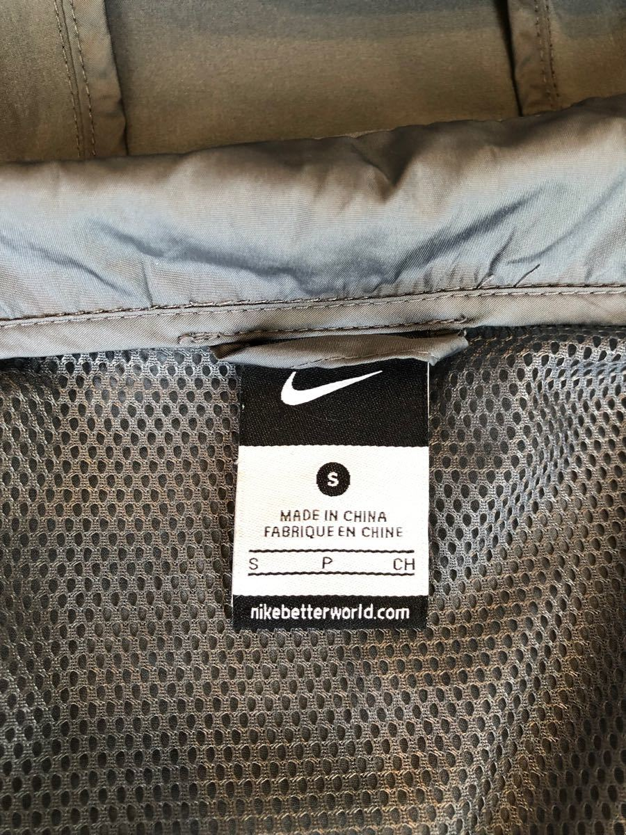 Nike ランニングベスト  フード付き