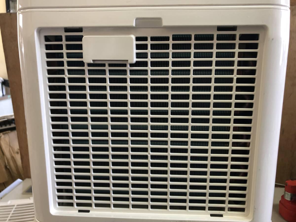 E69 アイリスオーヤマ 除湿機 衣類乾燥 除湿量 6.5L コンプレッサー方式 ホワイト DCE-6515 ジャンク 部品取り 要修理_画像5