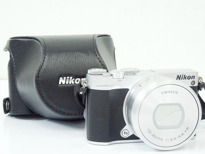 ●○Nikon 1 J5/1 NIKKOR VR 10-30mm F3.5-5.6 ミラーレス一眼カメラ パワーズームレンズキット ニコン ケース付○●009093001○●