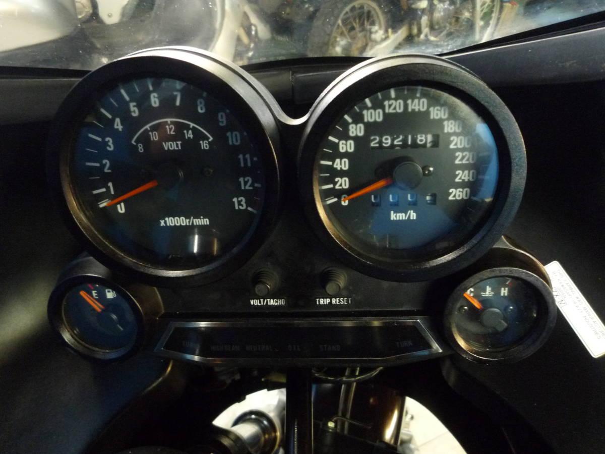 「KAWASAKI GPZ900R 黒/グレー エンジン始動確認済み 逆輸入車 書類完備 決算大売り出し価格 期間限定 諸経費0円 始動確認済み 横浜 P-Yard」の画像2