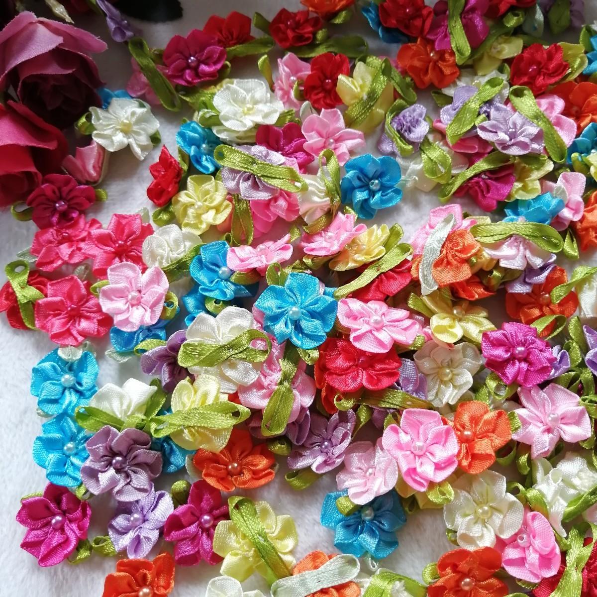ハンドメイド ワッペン   刺繍 綺麗なワッベン 手作り 花モチーフ 真珠あり2