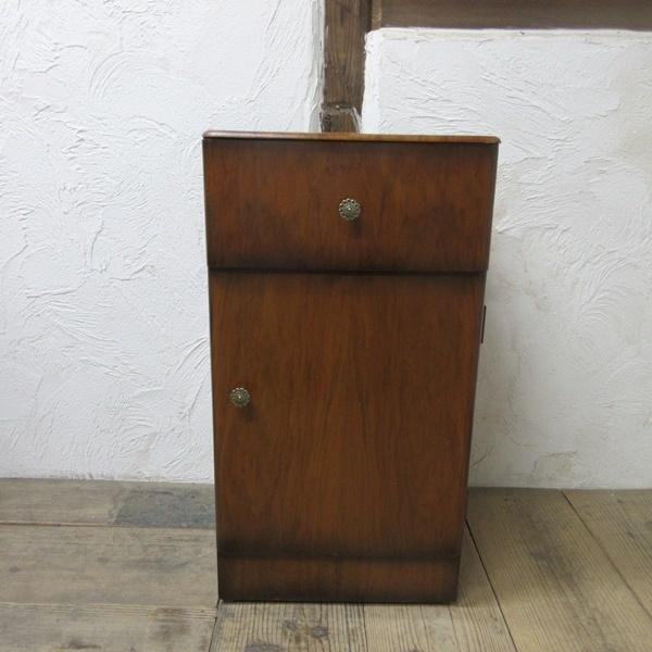 イギリス アンティーク 家具 サイドキャビネット ナイトスタンド 収納 飾り棚 木製 ウォルナット 英国 SMALLFUNITURE 6984b_画像3