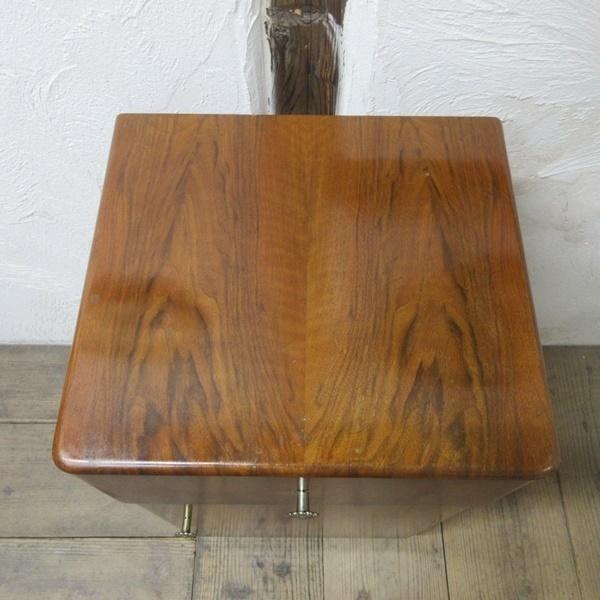 イギリス アンティーク 家具 サイドキャビネット ナイトスタンド 収納 飾り棚 木製 ウォルナット 英国 SMALLFUNITURE 6984b_画像5