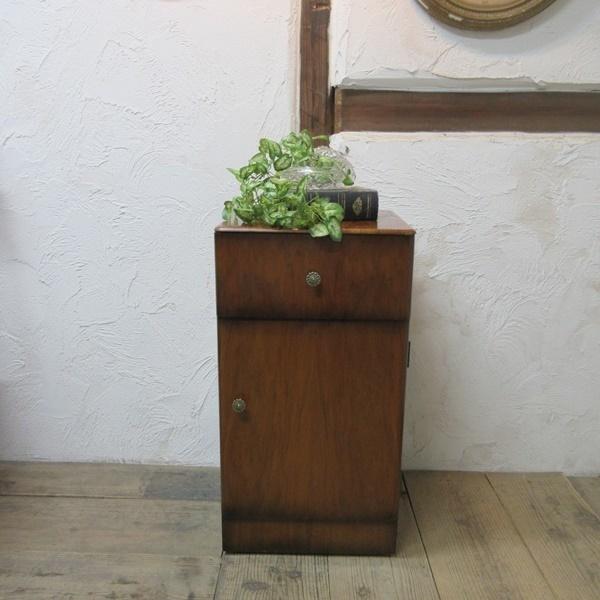 イギリス アンティーク 家具 サイドキャビネット ナイトスタンド 収納 飾り棚 木製 ウォルナット 英国 SMALLFUNITURE 6984b_画像2