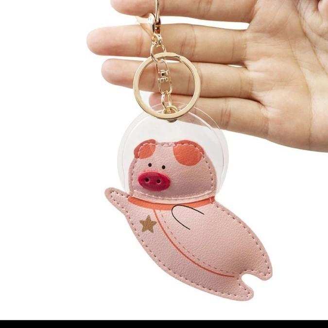 キーホルダー 革 チャーム 宇宙 ブタ ぶた 豚 キーリング バッグ バック