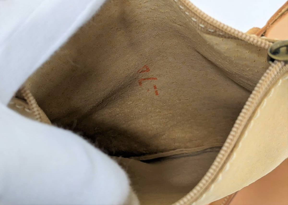  BREE ブリー 牛ヌメ革 ネイチャーシリーズ レザー トートバッグ ポーチ付き A4サイズ ブラ…