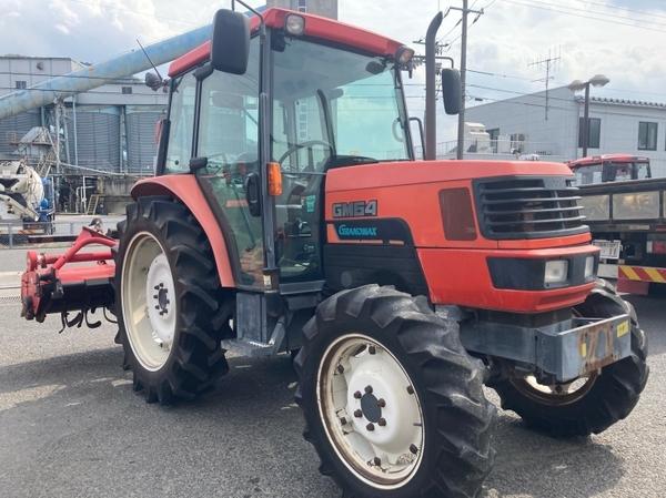 鳥取県 鳥取市 クボタ GM64 QBSMAXL 64馬力 トラクター 自動耕深 倍速ターン 逆転 4WD キャビン バックアップ 直 P5559775_画像2
