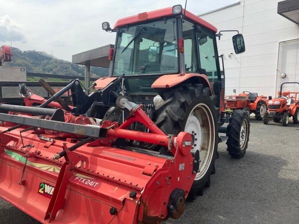 鳥取県 鳥取市 クボタ GM64 QBSMAXL 64馬力 トラクター 自動耕深 倍速ターン 逆転 4WD キャビン バックアップ 直 P5559775_画像4