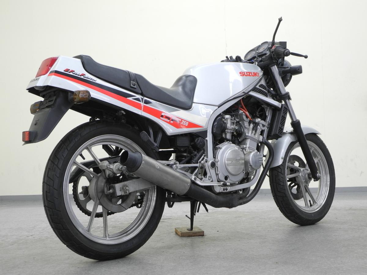 「特別出品!! スズキ GF250 【可動確認済】ローン可 旧車 4気筒 250cc GJ71C SUZUKI 売り切り」の画像2