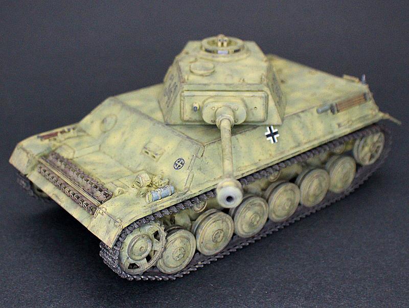 ■完成品■ホビーボス 1/35 統制型車台 Ⅲ/Ⅳ号戦車_画像1