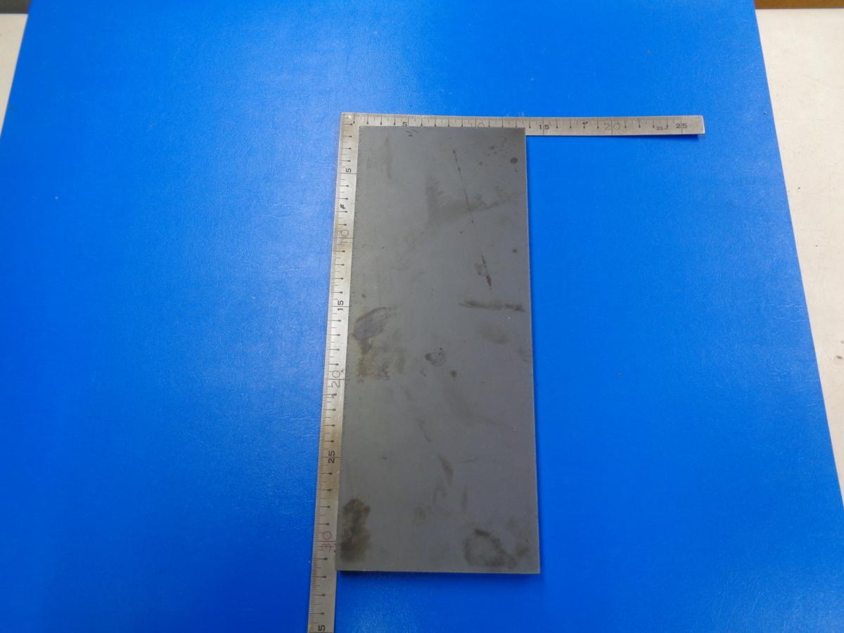 鉄板 厚み12mm 大きさ 約120mmx300mm  重さ3.5kg_画像1