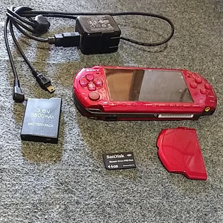 ぼくのなつやすみソフト2本+PSP3000本体+新品バッテリーパック+充電器+4GBメモリースティック。