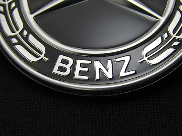 ベンツ純正品 グロスブラック エンジンフードバッチ(A0008172605)_画像5
