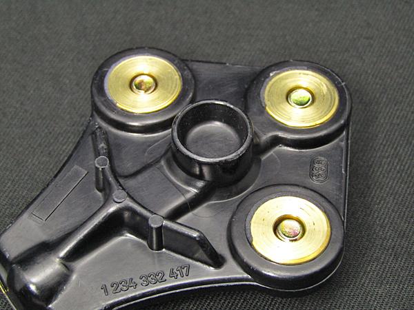 現品在庫1セット限り!ベンツ純正品&Bosch M103用 ディスビキャップ等3点セット(A1031580002、A1031580331、A1031580685)_画像6
