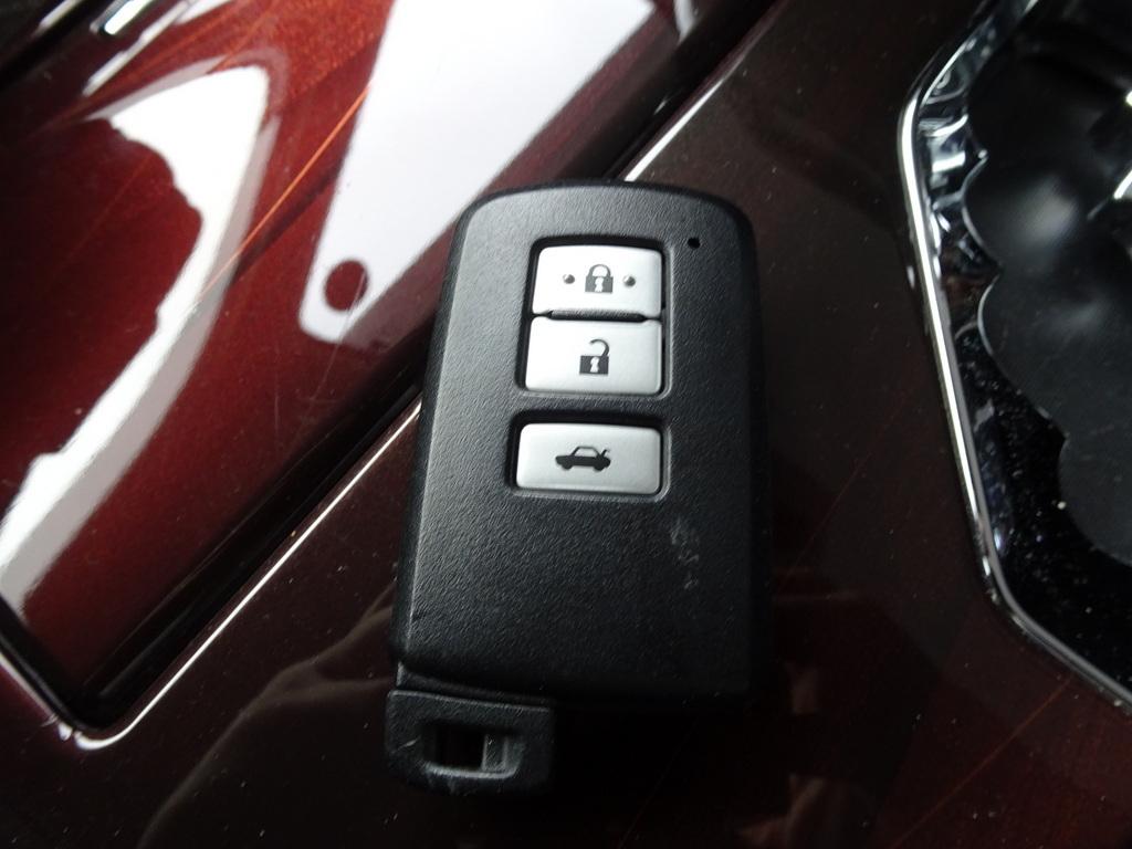 車検満タン 26年式 クラウンハイブリッド ブラック ナビ フルセグTV DVD再生機能 Bluetooth バックモニター スマートキー クルコン HID ETC_スマートキー