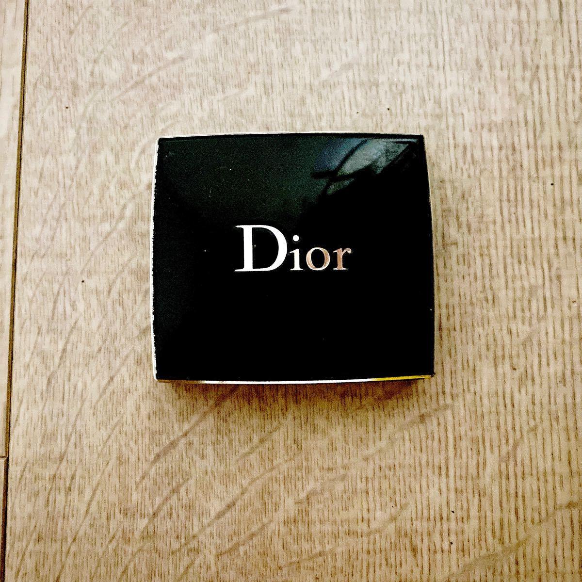 Dior ディオール アイシャドウ クリスチャンディオール Diorアイシャドウ ショウモノ