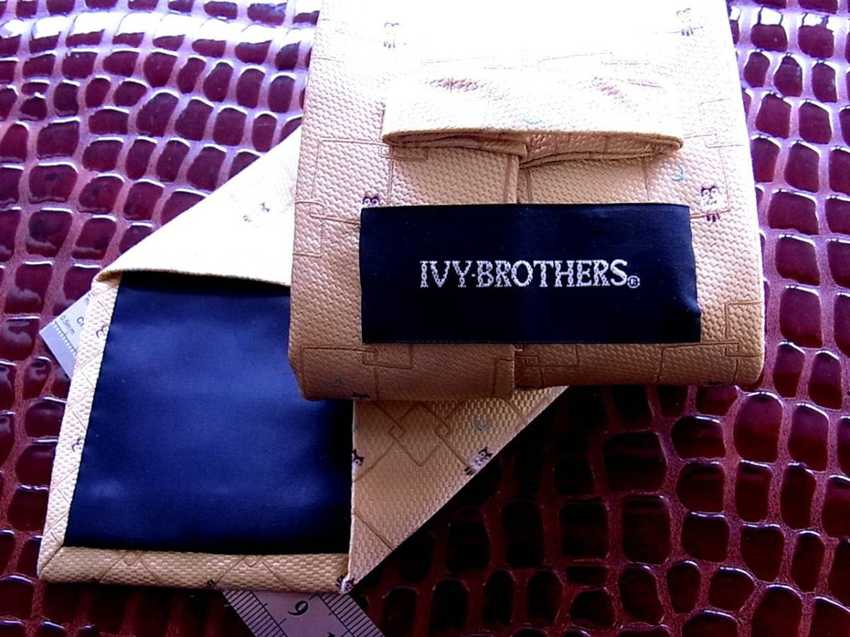■E385R●良品●【刺繍・フクロウ梟・月】IVY BROTHERS ネクタイ_画像3