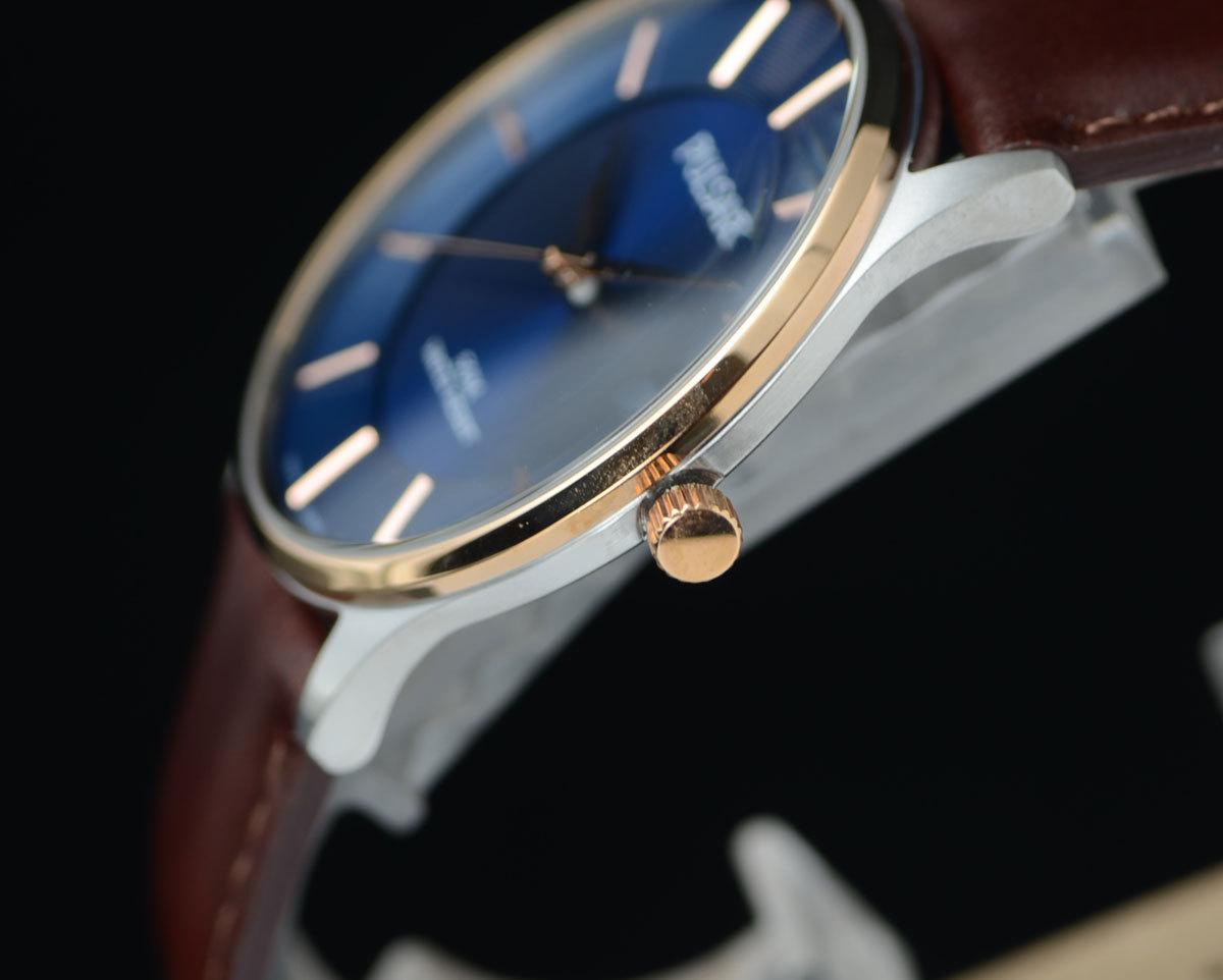 1円開始 逆輸入セイコーPULSARシンプルで飽きの来ないデザイン50m防水 美しいサファイアブルー 腕時計 本革ベルト メンズ 激レア日本未発売_画像6