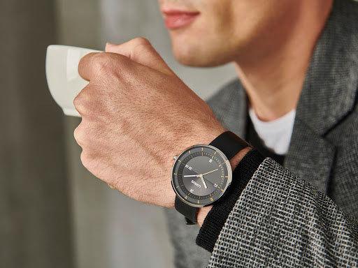 1円×3本セイコーLORUS無駄削ぎ落したシンプルで飽きの来ないデザイン逆輸入ブラック 腕時計 50m防水 新品メンズ日本未発売SEIKOローラス_画像4