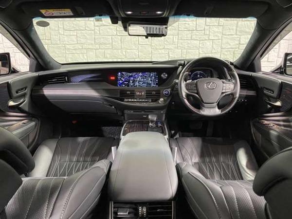 「LS 500h エグゼクティブ 4WD マクレビ/Rエンターテイメント/360度カメラ」の画像2