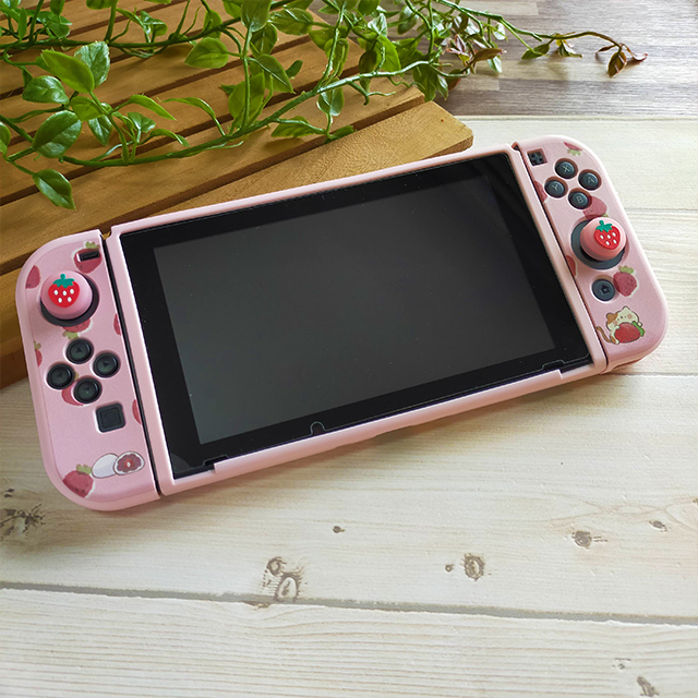 【即日~翌日発送】スイッチ Switch 保護 カバー ピンク ネコ 猫 苺 いちご大福 もちもちねこ かわいい_画像2