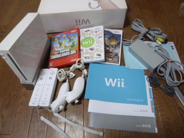 W02【即日配送 送料無料】Wii すぐに2人で遊べるセット マリオ モンハン3 ヌンチャク(レンズクリーニング・初期化・動作確認済)