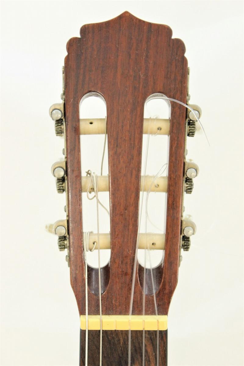 【行董】 Aria アリア A-20 クラシックギター 弦長65cm アコギ ギター 楽器 弦楽器 ソフトケース付 AA151BOM98_画像2