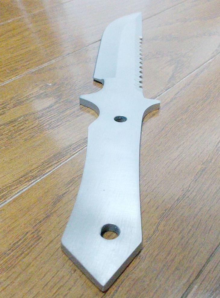 サバイバルナイフ ステンレス製