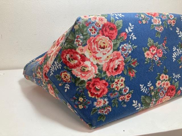 ※11398 CATH KIDSTON 大型 ラージトートバッグ ブルー系 花柄 レディース キャスキッドソン USED_画像8