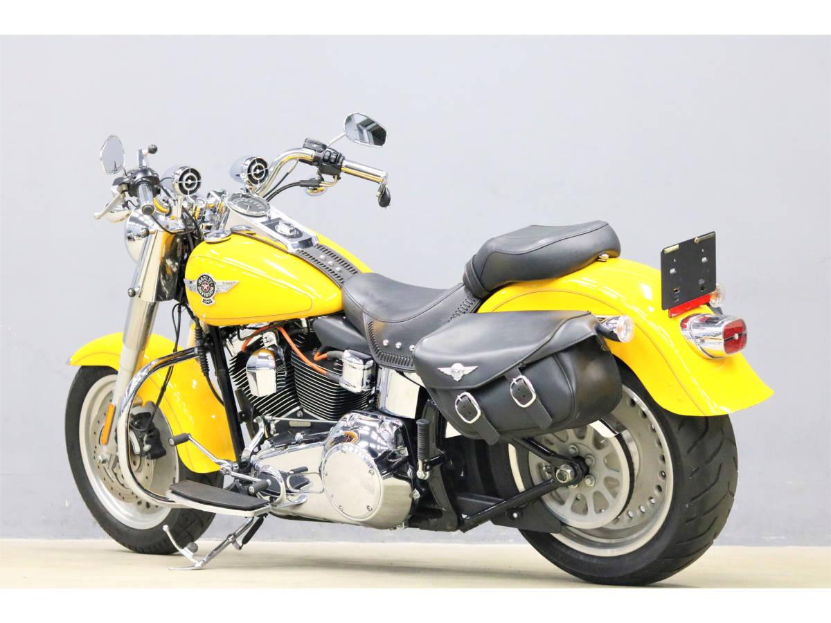 「ハーレーFLSTFファットボーイ 2011y 25326km 検R4/4 サドルバッグ ハンドルマウントスピーカー エンジンガード LEDライト ABS」の画像2