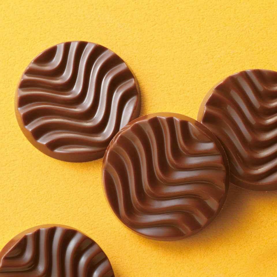 【送料無料】ロイズ 【北海道銘菓】 ピュアチョコレート[コロンビアミルク] 他北海道お土産多数出品中 ROYCE' 1380_画像2