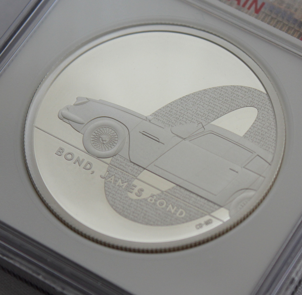 2020 イギリス 007 ジェームズ ボンド 5ポンド 2オンス 銀貨 NGC PF70UC 最高鑑定品!!_画像3