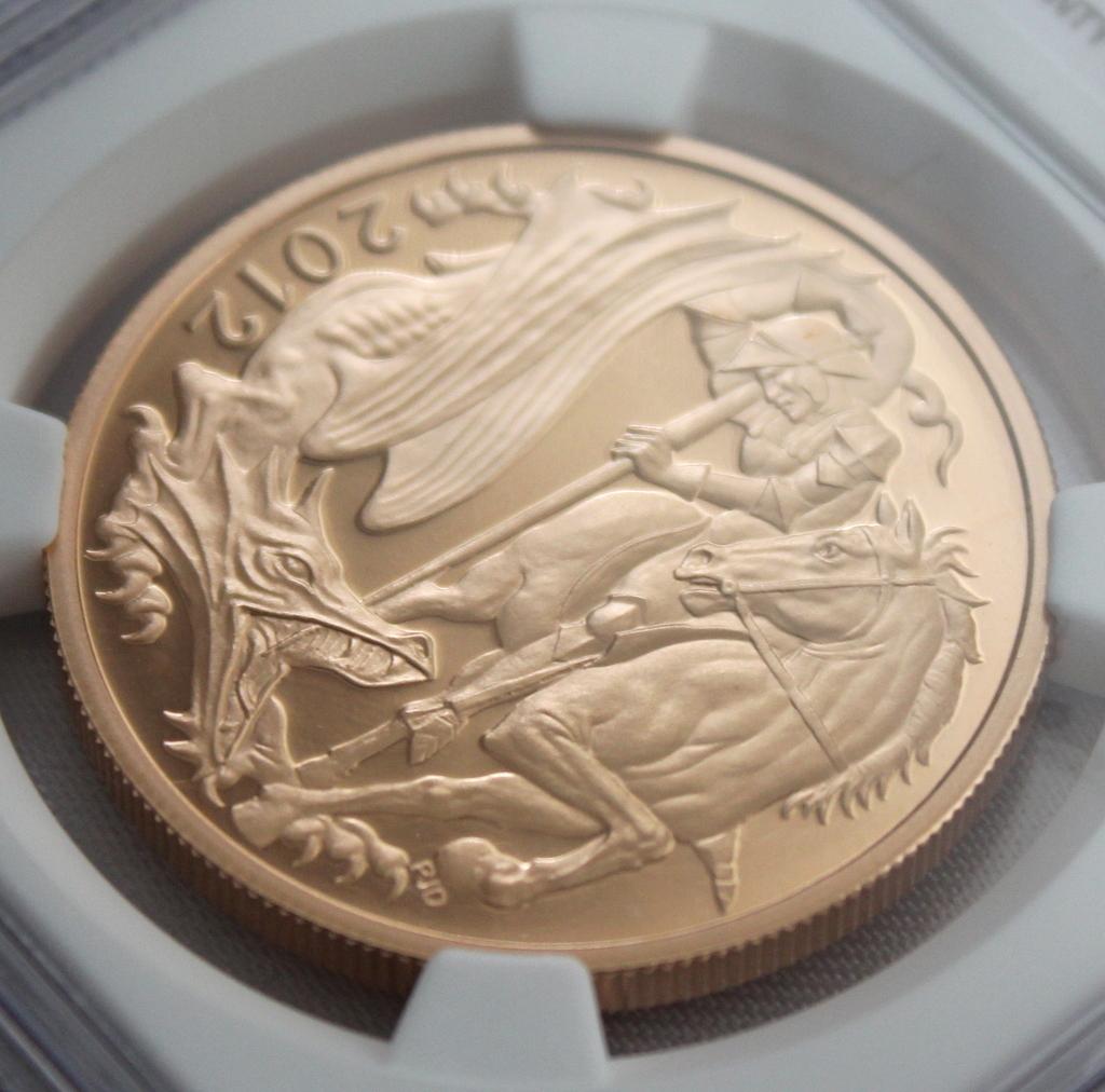 2012 イギリス ダイヤモンドジュビリー戴冠60周年記念 5ポンド 金貨 NGC PF70UC 最高鑑定品!!_画像3
