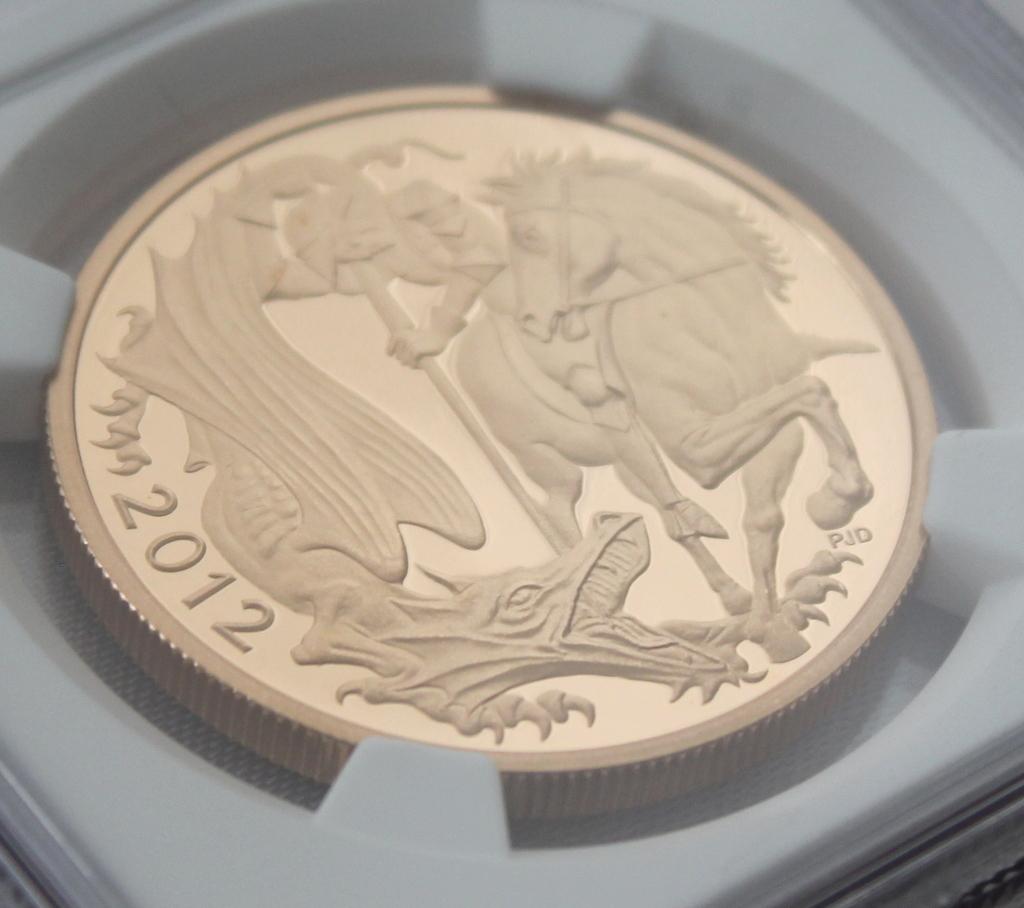 2012 イギリス ダイヤモンドジュビリー戴冠60周年記念 5ポンド 金貨 NGC PF70UC 最高鑑定品!!_画像4