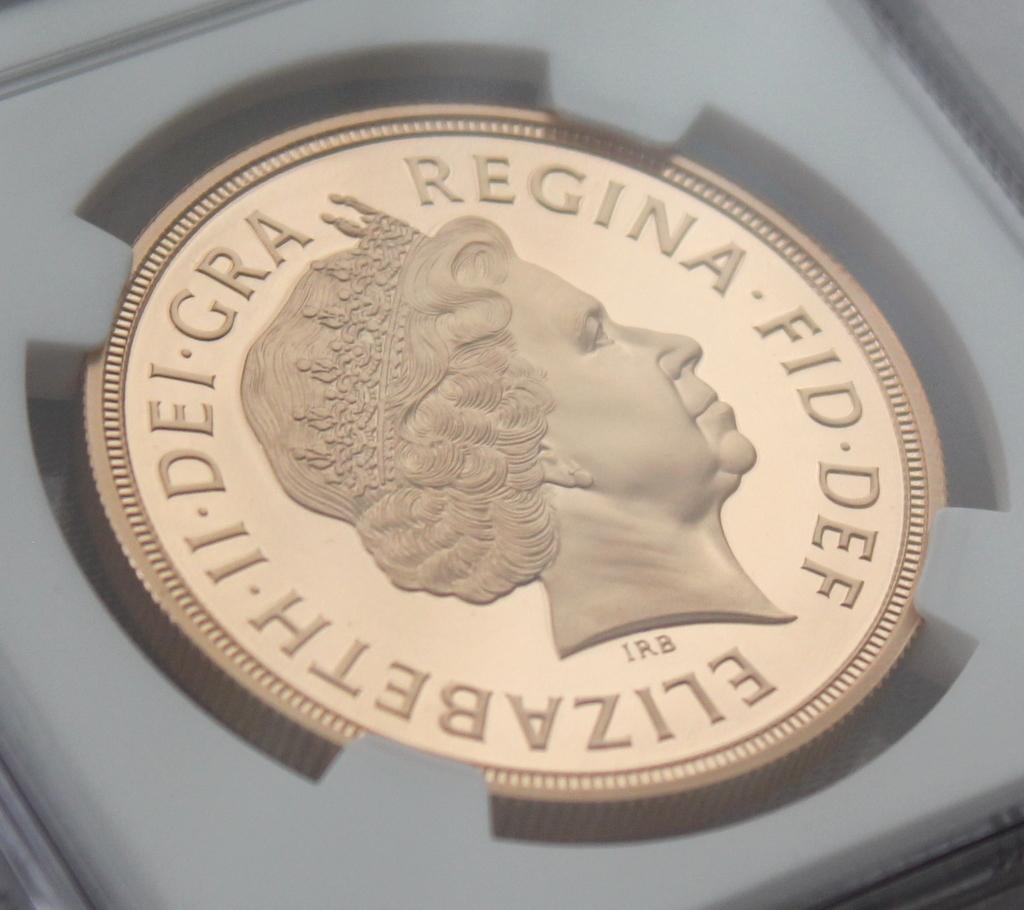 2012 イギリス ダイヤモンドジュビリー戴冠60周年記念 5ポンド 金貨 NGC PF70UC 最高鑑定品!!_画像7