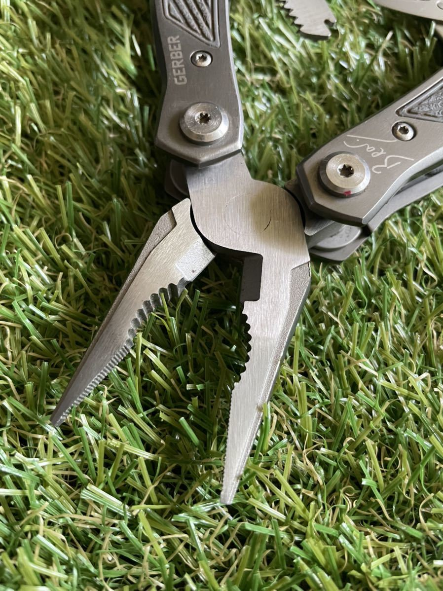 GERBER BearGrylls 専用ナイロン製シース付 ガーバー マルチツール マルチプライヤー ベアグリルズ