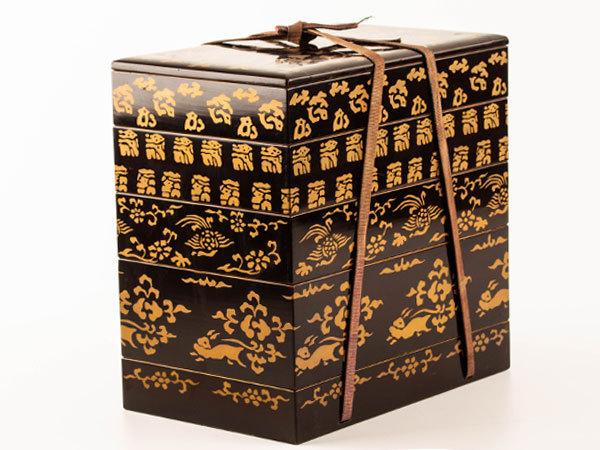 【流】時代書道具 黒塗図替蒔絵四段重硯箱 箱付 CZ551